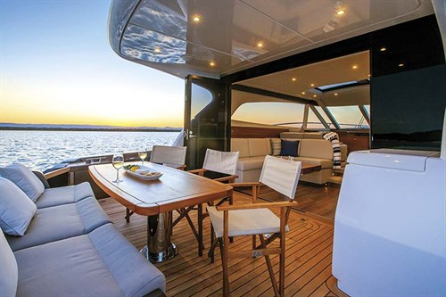 Lounge on Elandra 53 boat
