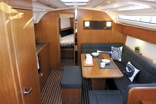 Interior of Bavaria Cruiser 41S