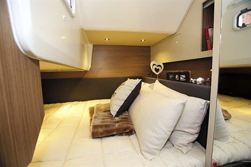 Cabin in Azimut Atlantis 34