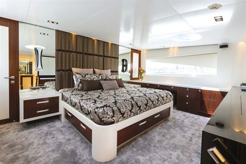 Bedroom in Horizon superyacht