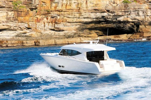 Maritimo S48 on the water