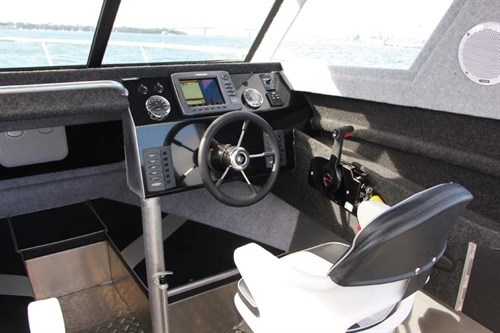 Cabin view on Fish City FC 675HT