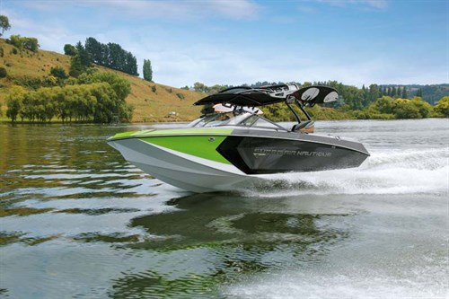 Super Air Nautique G23 at speed