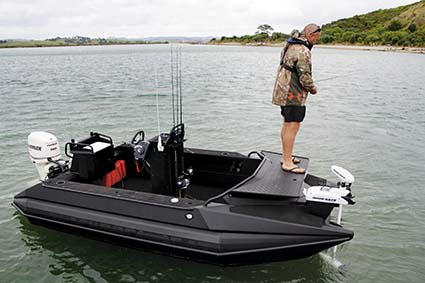 BLACKDOG CAT STEALTH BOAT