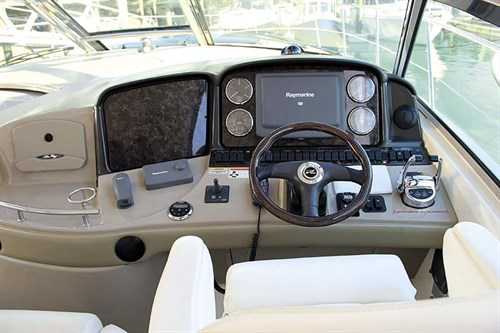 2008 Sea Ray 440 Sport helm